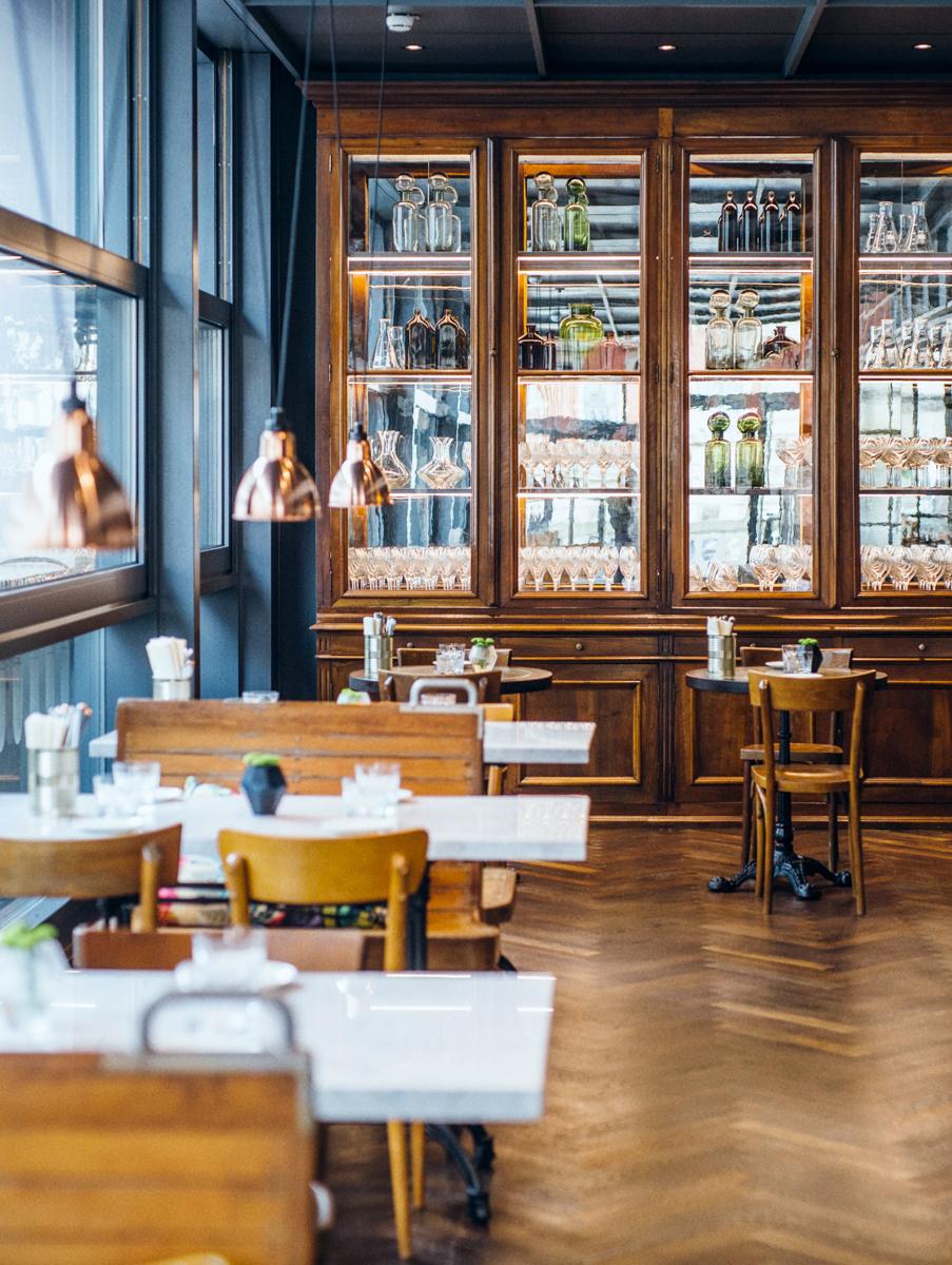 Innenaufnahme vom Restaurant Brasserie Colette Tim Raue in Konstanz