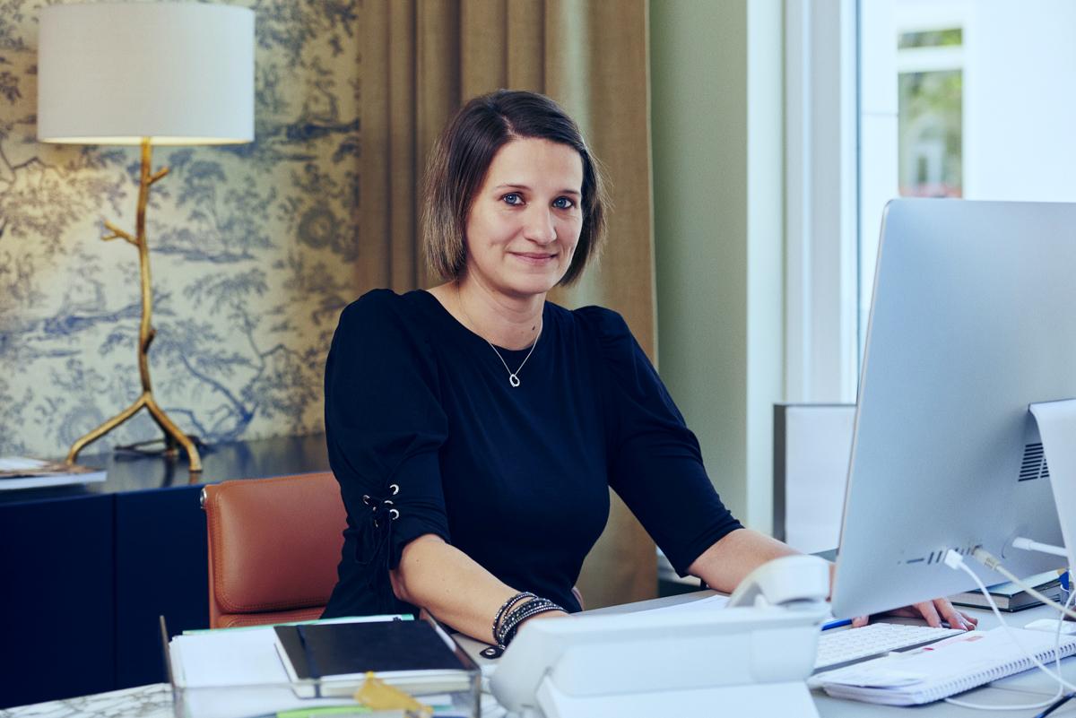 Berufsbild Verwaltung: Sylvie Werner-Murray arbeitet im Direktionssekretariat der Tertianum Residenz München