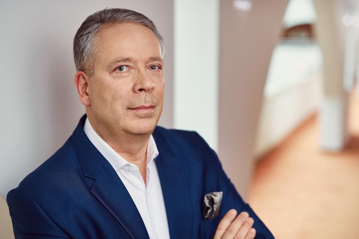 Portraitfoto von Georg von Thadden, Direktor der Tertianum Premium Residenz Berlin
